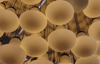 Tom Dixon. design sostenibile, lampada glowb