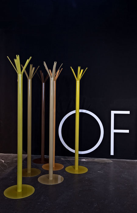 Appendiabiti design Giulio Iacchetti per OFFICINANOVE