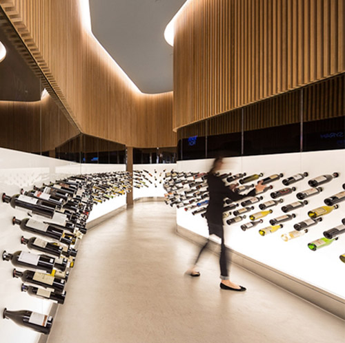 Mistral wine store designed by Arthur Casas